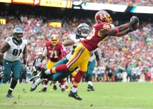 LANDOVER, MD - OCTOBER 04: Pierre Garcon #88 of the Washington Redskins catches the game winning touchdown in the fourth quarter against the Philadelphia Eagles at FedExField on October 4, 2015 in Landover, Maryland.  (Photo by Evan Habeeb/Getty Images)